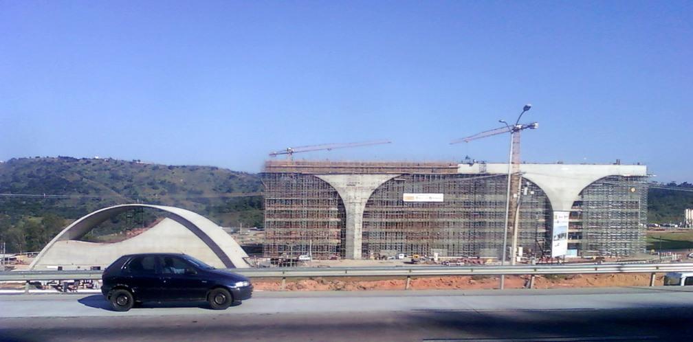 Canteiro de obras na divisa entre Belo Horizonte e Vespasiano em 11/05/09